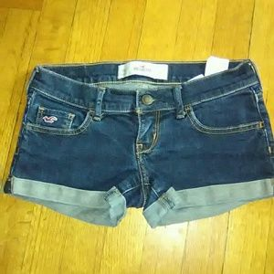 Hollister LIKE NEW Juniors Shorts!